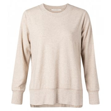Round neck sweater with side slits