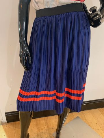 blue & red stripe pleated skirt
